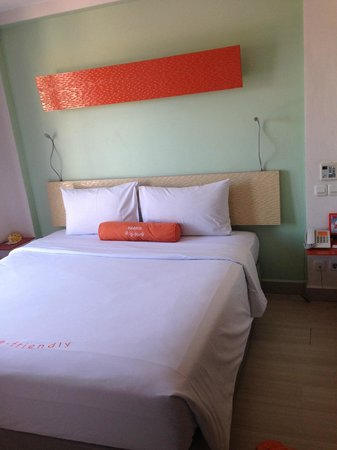 HARRIS Hotel & Residences Riverview Kuta: Soft bed