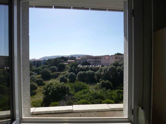 Best Western Hotel Alcyon : Voici la vue mer vendue et achetée !!!! face à la fenêtre de la chambre