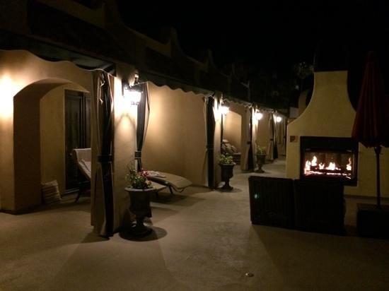 Andreas Hotel & Spa : Upstairs deck at night
