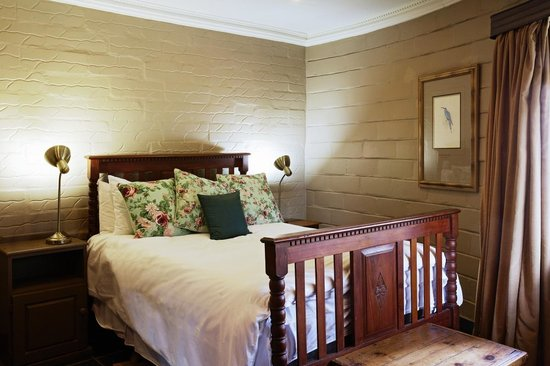 Birdsong Cottages: Sunbird bedroom