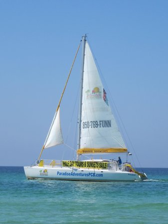 Sugar Sands Inn and Suites: Passing sailboat