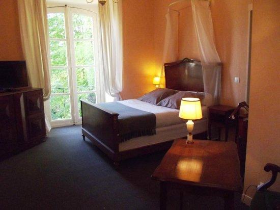 Hostellerie Val de Creuse : CHAMBRE PREMIERE VUE SUR CREUSE