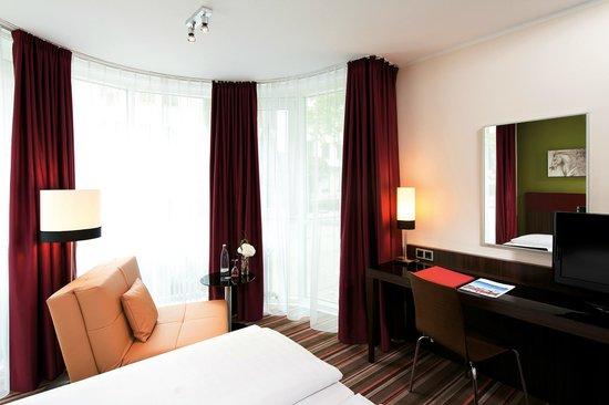 Leonardo Hotel & Residence München: Superior Zimmer
