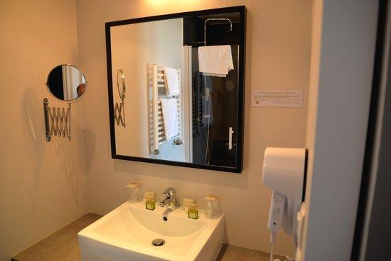 Hotel Restaurant Ker Mor : Salle d'eau