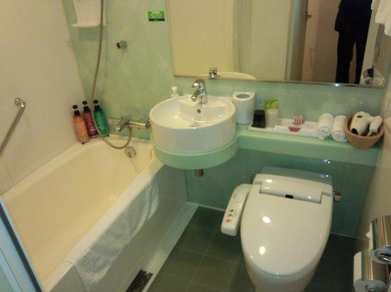 Hotel Resol Trinity Sapporo: お風呂は利用しませんでしたが、広々したユニットバスです