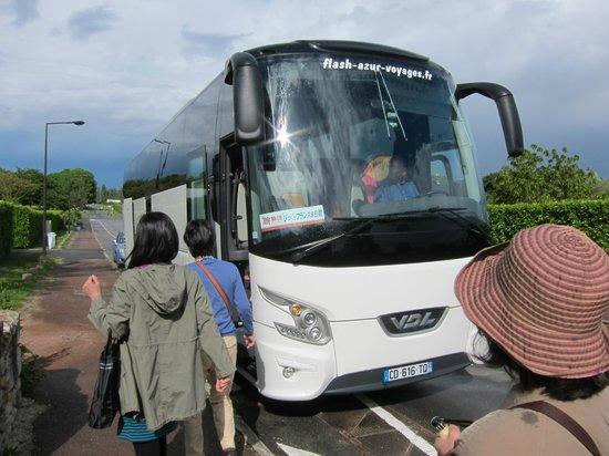 Chateau d'Amboise: アンボワース城・・・中州のツアーバスは我々の1台のみラッキー!