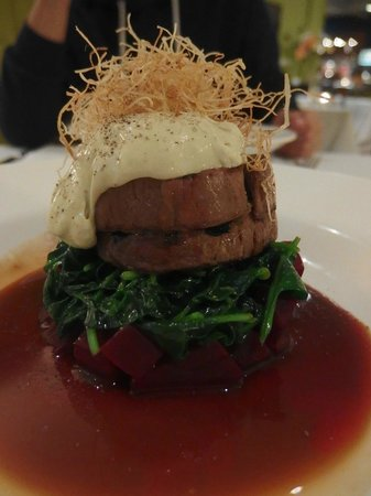 221 Restaurant & Bar: A thoughtful way of getting 'medium well' done perfectly!