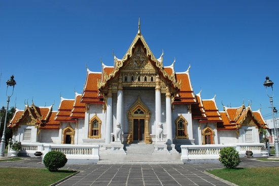 Wat Benchamabophit (The Marble Temple): prospetto all'ingresso