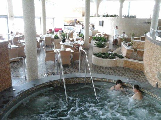 Spirit Hotel Thermal Spa: Бассейн - джакузи