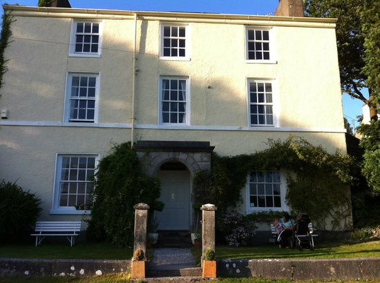 Crosthwaite House: Front of the house