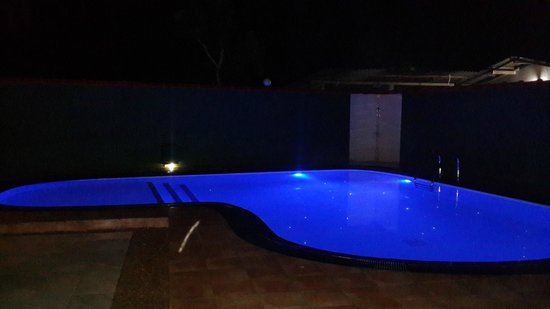 Namo Villa: POOL BY NIGHT