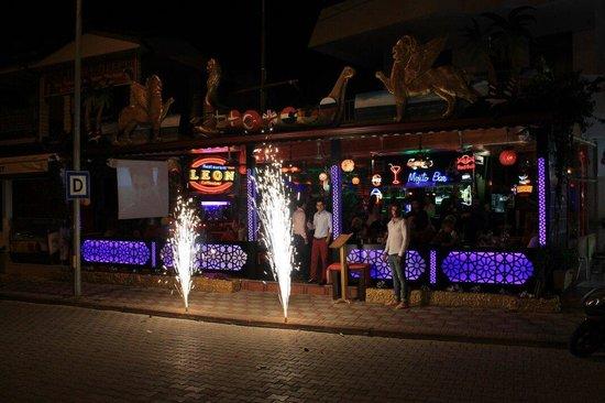 Leon Restaurant: Birthday party