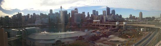 Novotel Sydney on Darling Harbour: Day Scene of the Harbour