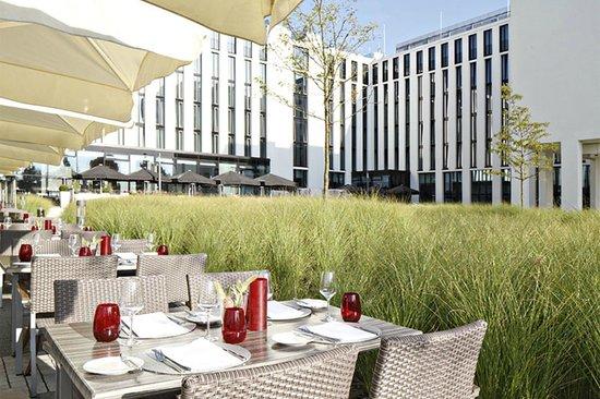 Leonardo Royal Hotel Munich: Terrasse