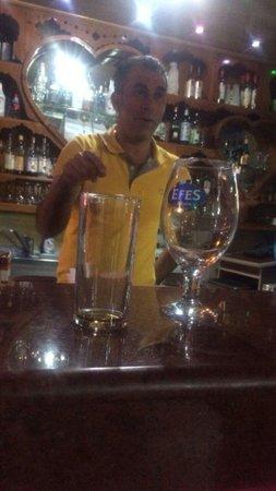 Palmiya Apartments: Deniz Bar manager