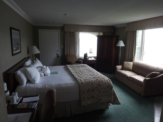 The Gananoque Inn and Spa : Room # 108