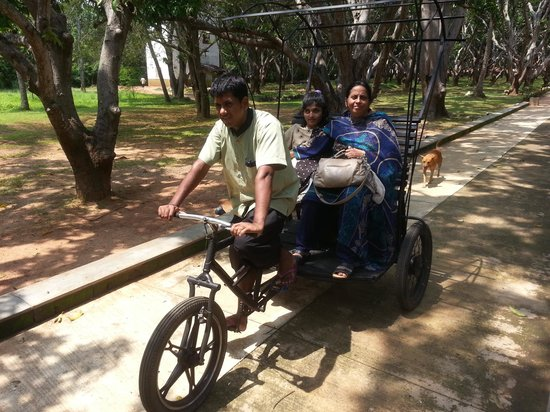 Thilanka Resort and Spa : cycle ride