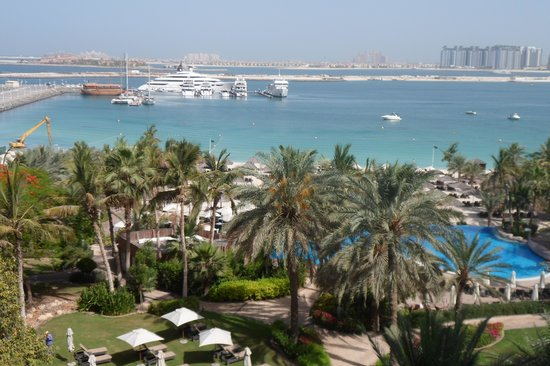 Le Meridien Mina Seyahi Beach Resort and Marina: view from our balcony