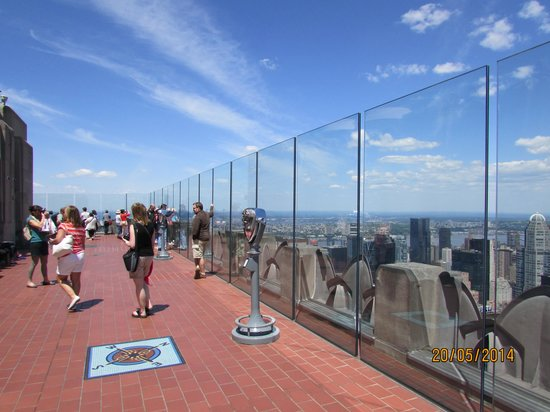 Rockefeller Center: showing you the floor space and glass walls