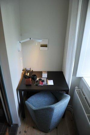 Hotel Skeppsholmen: Working corner