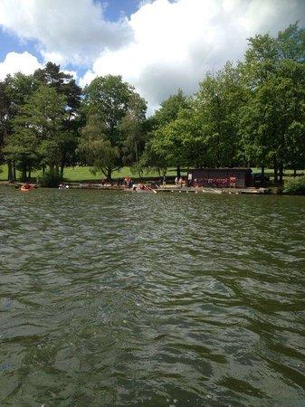 Tilgate Park : On the lake
