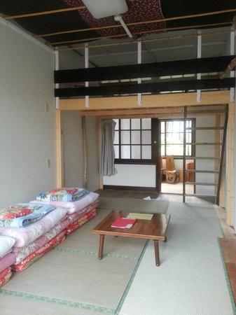 Bouken Kazoku: room 2