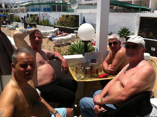 Apartamentos THe Oasis: Four amigos
