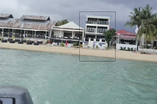 Billabong Beach Club: View of Billabong Surf Club from the sea (room on Level 1 and Level 2)