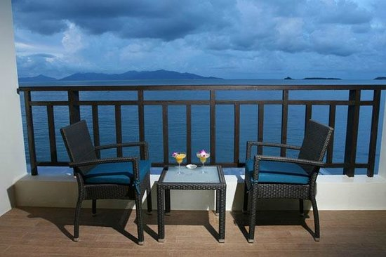 Billabong Beach Club: Balcony overlooking paradise
