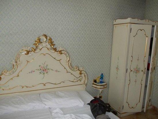 Hotel Tre Archi: camera da letto