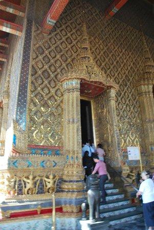 Temple du Bouddha d'Émeraude (Wat Phra Kaeo) : ingresso