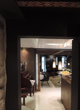 Boutique Hotel Hippocampus: foyer and testsurant area