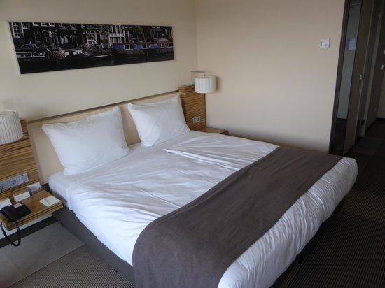 Mövenpick Hotel Amsterdam City Center: chambre