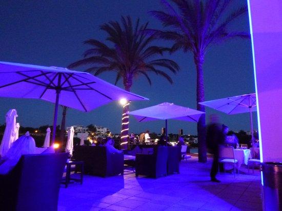 Gavimar Ariel Chico Club Resort: Yatch Club 10 mins walk from hotel