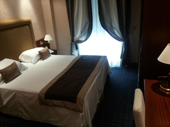 Hotel Lungomare : Camera