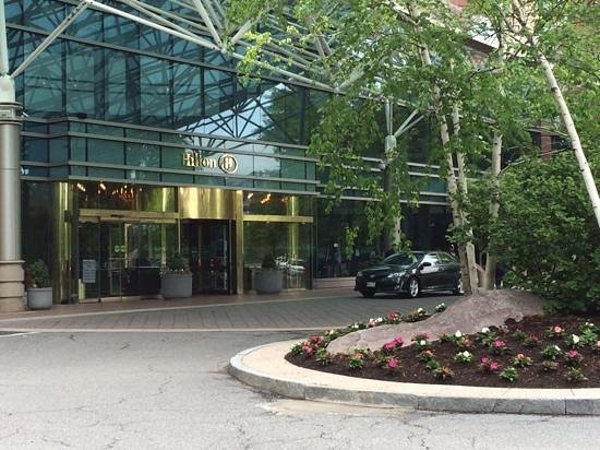 Hilton Boston Logan Airport: Nice & clean.  Shuttle to train, rentals & airport was great
