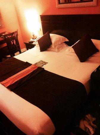 BEST WESTERN De Neuville: Standard room* nice and organized
