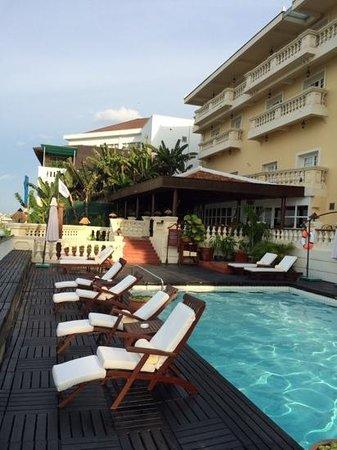 Victoria Chau Doc Hotel: Pool area