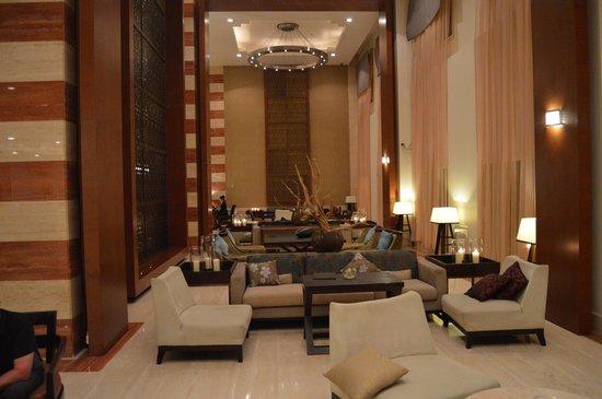 InterContinental Doha: The lobby