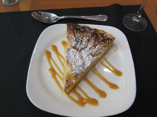 La Rôtisserie: La Rotisserie ・・・絶品のリンゴタルト、おかわりが欲しい様!