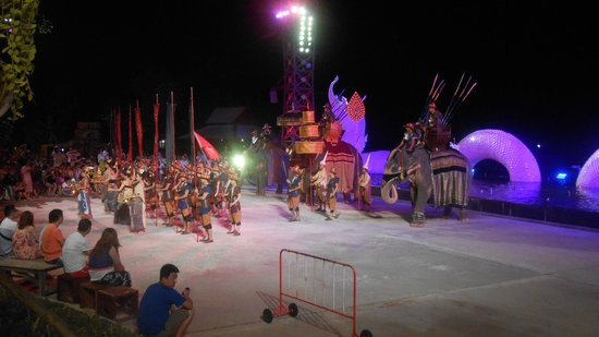 Siam Niramit Phuket: one of the pre show acts