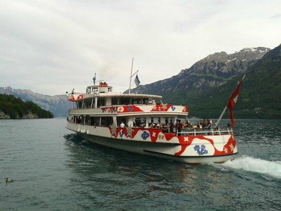 Hotel Seeburg: Departing boat