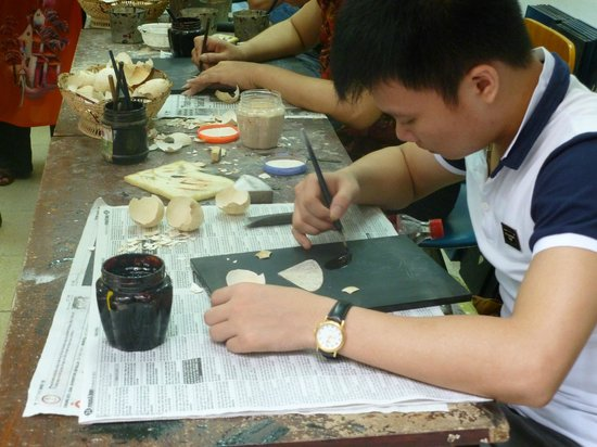 Duong Lam Ancient Village: Lacquer-ware factory