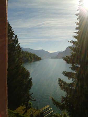 Hotel Seeburg: Brienz See at dawn