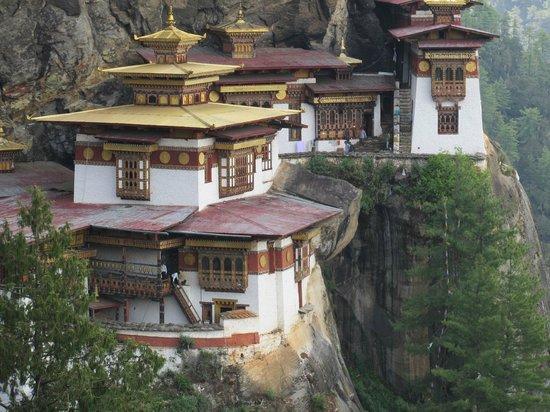 Taktsang Palphug Monastery: So near and yet so far!
