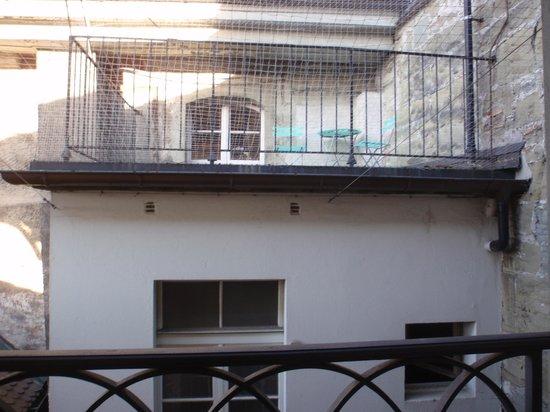 Hotel de la Rose: Espacio frente a la ventana