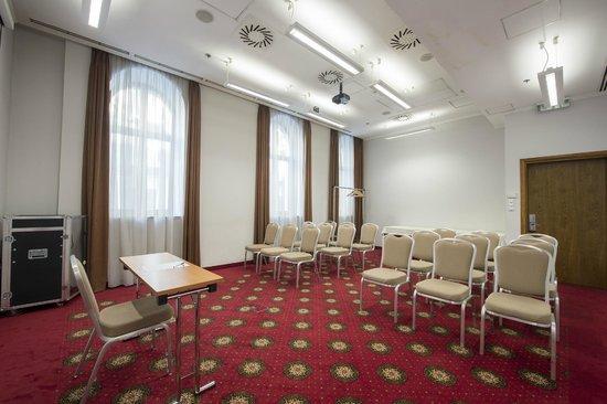 The Three Corners Hotel Bristol : Meeting room