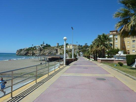 Aqui TE Espero: Rincon de la Victoria walkway towards coastal walk