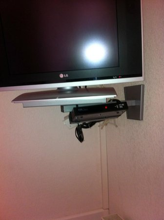 Le Saint Paul : Télévision Chambre