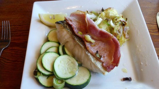 Wheel House Restaurant: Sea Bass with bacon & courgettes